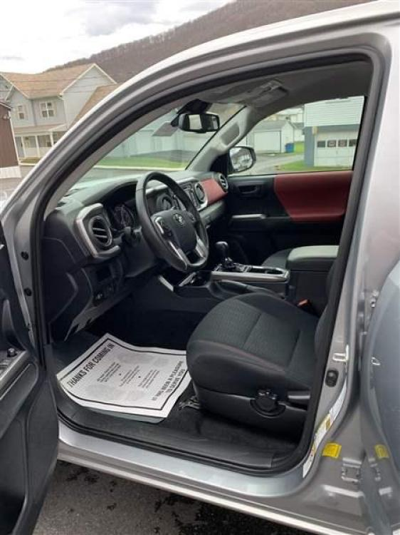2019 SILVER TOYOTA TACOMA (5TFCZ5AN0KX) with an 6 engine, AT transmission, located at 353 S. Mineral St., Keyser, WV, 26726, (304) 788-7887, 39.436451, -78.981674 - Photo #4